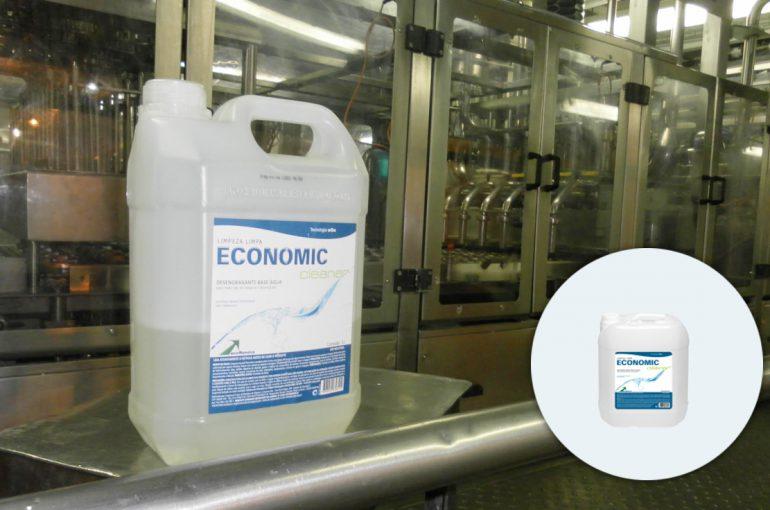 O uso de detergente biodegradável é a nova aposta para desentupimento da rede de esgoto em Piracicaba (SP)