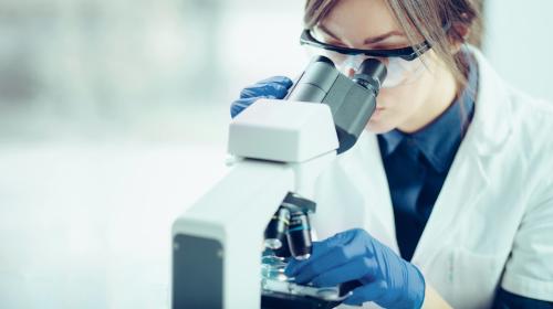 Webinar ANVISA aborda norma sobre laboratórios analíticos